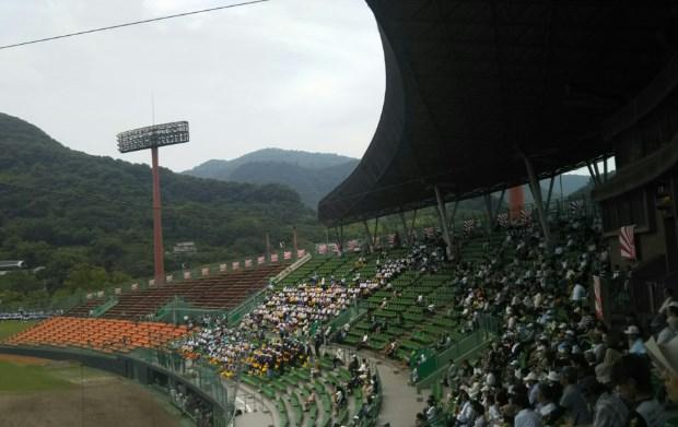 高校野球予選大会の客席配置