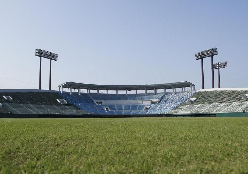 福井県営球場へのアクセスと駐車場